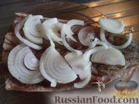 Фото приготовления рецепта: Скумбрия, запеченная с овощами - шаг №5