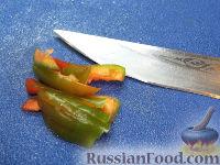 Фото приготовления рецепта: Жареные огурцы по-японски - шаг №3