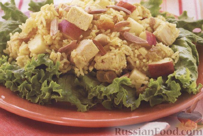 Рецепт Теплый салат из риса, куриного филе и яблока