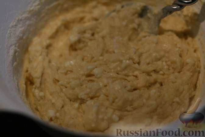"""Фото приготовления рецепта: Салат """"Оливье"""" с красной рыбой - шаг №4"""