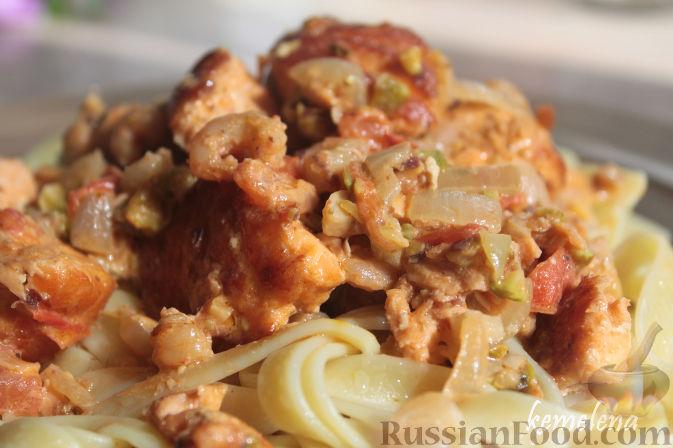 Фото приготовления рецепта: Картофельный крем-суп с курицей и макаронами - шаг №15