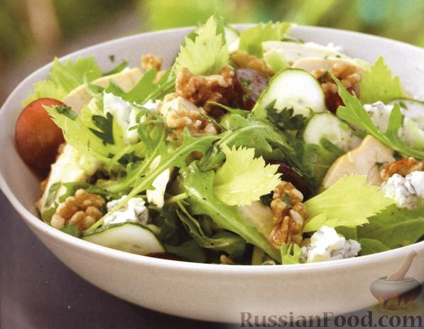 Рецепт Салат из куриного мяса, сыра и аругулы (руколы)