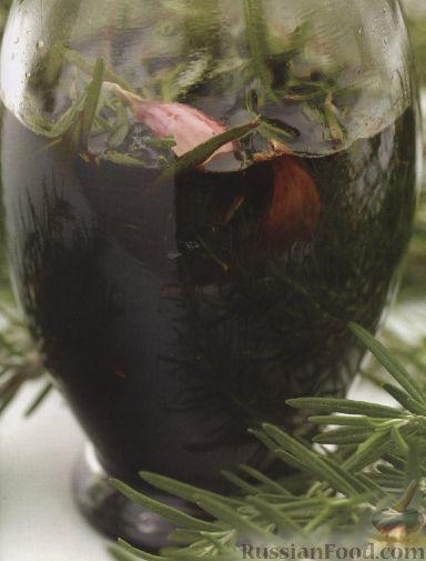 Рецепт Бальзамический уксус, настоянный на розмарине и чесноке