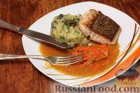 Фото к рецепту: Красный люциан под цитрусовым соусом с овощным пюре