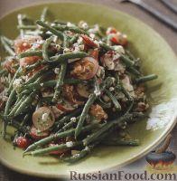 Фото к рецепту: Салат из стручковой фасоли, редиса, помидоров и сыра фета