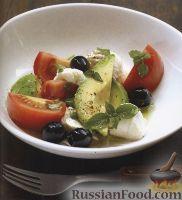 Фото к рецепту: Салат из помидоров, моцареллы и авокадо