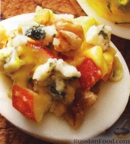 Фото приготовления рецепта: Жареная картошка с говяжьей печенью - шаг №9