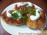 Фото к рецепту: Картофельники с куриным мясом
