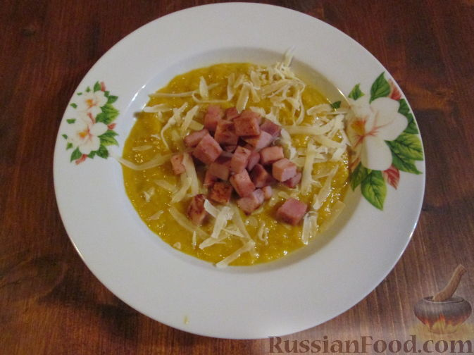 Фото к рецепту: Суп-пюре из тыквы и лука-порея