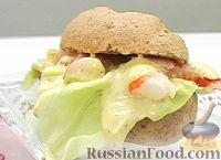 Фото к рецепту: Сэндвич с редисом и креветками