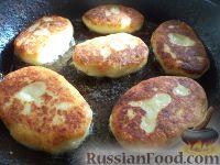 Фото приготовления рецепта: Картофельные котлеты с куриным мясом - шаг №10