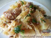 Фото к рецепту: Капуста, тушенная с грудинкой и картофелем