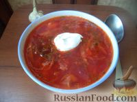Фото к рецепту: Красный борщ со шкварками и фасолью