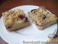 Фото к рецепту: Насыпной пирог со сливами
