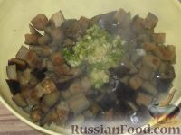 Фото приготовления рецепта: Баклажаны с чесноком - шаг №8