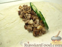 Фото приготовления рецепта: Шаурма с курицей - шаг №5