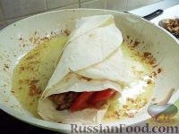 Фото приготовления рецепта: Шаурма с курицей - шаг №7
