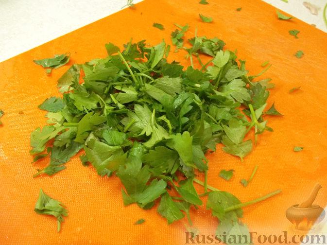 Фото приготовления рецепта: Салат с клубникой - шаг №3