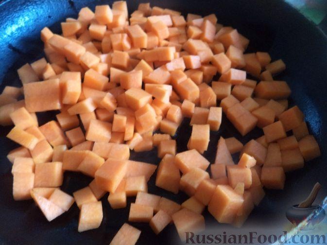 Фото приготовления рецепта: Творожно-тыквенная запеканка - шаг №3