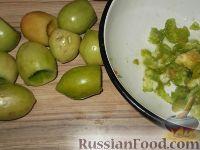 Фото приготовления рецепта: Фаршированные зеленые помидоры - шаг №5