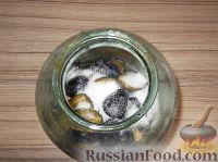 Фото приготовления рецепта: Вино из слив - шаг №4