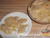 Фото к рецепту: Вареники со свежей капустой