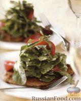 Фото к рецепту: Жареное куриное филе с легким салатом