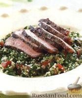 Фото к рецепту: Жареные стейки с салатом из кускуса