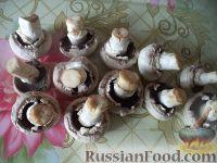 Фото приготовления рецепта: Грибы, жаренные в масле - шаг №2
