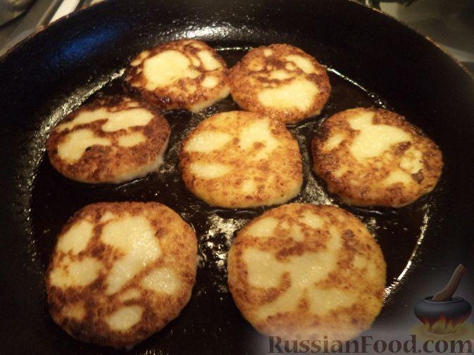 Фото приготовления рецепта: Cвинина, тушенная со свёклой, солёными огурцами и помидорами - шаг №2