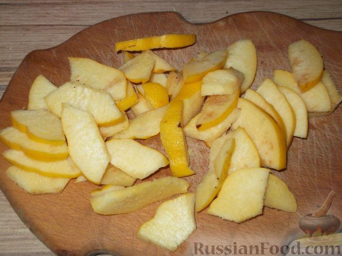 Фото приготовления рецепта: Варенье-минутка из тыквы и айвы - шаг №3