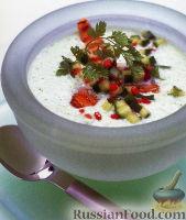 Фото к рецепту: Суп из лосося с огурцами и соусом сальса