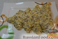 Фото приготовления рецепта: Салат на Новый Год «Елочка» - шаг №4