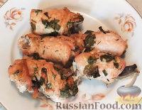 Фото к рецепту: Куриные рулетики с грибами