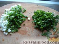 Фото приготовления рецепта: Салат с крабовыми палочками и пекинской капустой - шаг №3