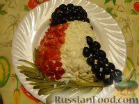 """Фото к рецепту: Салат """"Снегирь на ветке"""""""