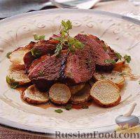 Фото к рецепту: Утиное филе с жареной репой