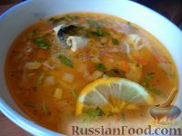 Фото к рецепту: Простой суп из скумбрии