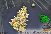 Фото к рецепту: Оливье с копченой курицей
