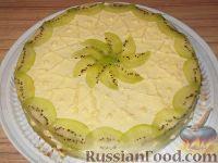 Фото к рецепту: Торт бисквитный с масляным кремом и фруктами