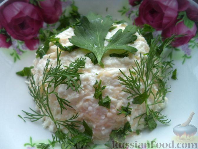 Салат из редьки с сыром и чесноком