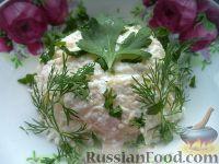 Фото к рецепту: Салат из редьки с сыром и чесноком