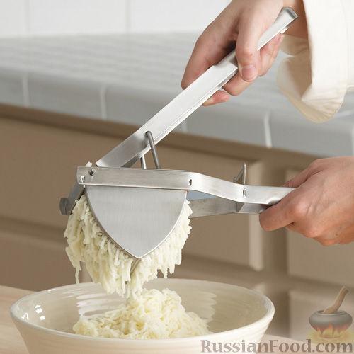 Фото приготовления рецепта: Закрытые песочные мини-пироги с грибами и фасолью - шаг №10
