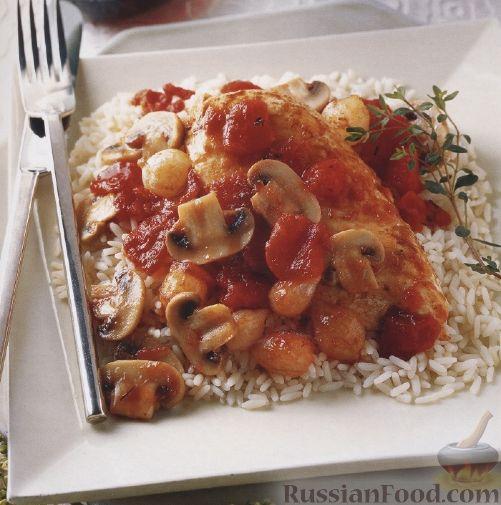 Рецепт Куриное филе, тушенное с грибами в томатном соусе