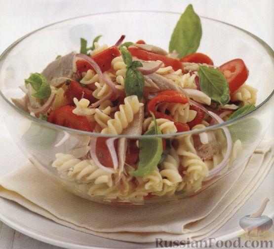 Рецепт Салат из макарон с овощами и тунцом