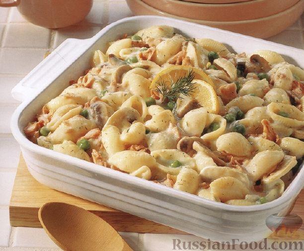 Рецепт Макароны, запеченные с лососем, грибами и горошком
