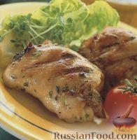 Фото к рецепту: Жареные куриные бедрышки с мятным соусом