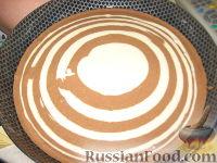 """Фото приготовления рецепта: Торт """"Зебра"""" - шаг №8"""