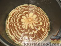 "Фото приготовления рецепта: Пирог ""Зебра"" - шаг №2"