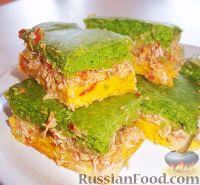 Фото к рецепту: Зелено-желтый пирог с куриной начинкой